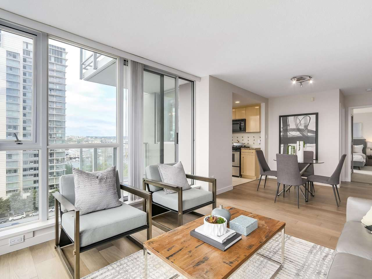 Condo Apartment at 1102 1408 STRATHMORE MEWS, Unit 1102, Vancouver West, British Columbia. Image 5