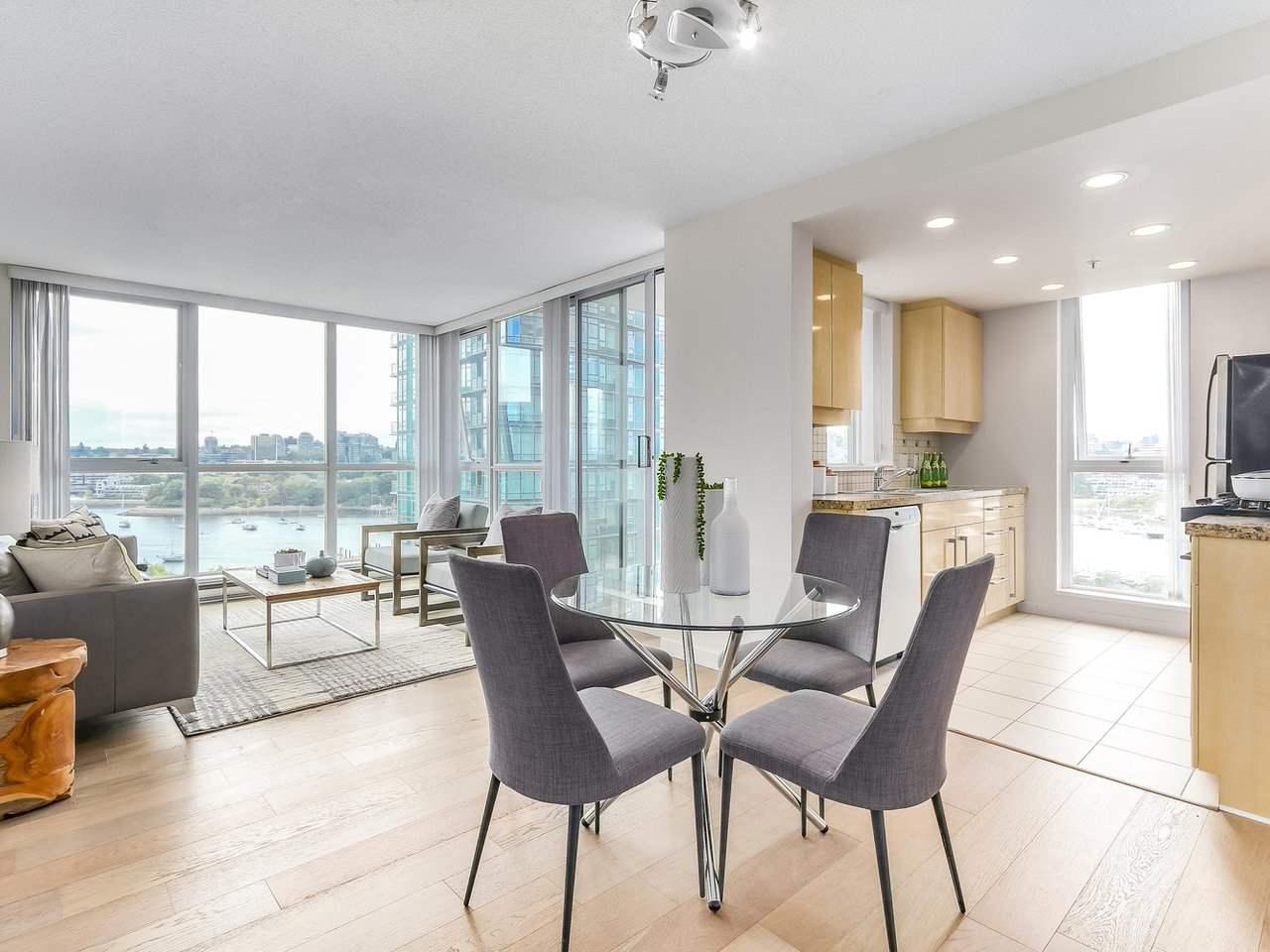 Condo Apartment at 1102 1408 STRATHMORE MEWS, Unit 1102, Vancouver West, British Columbia. Image 6