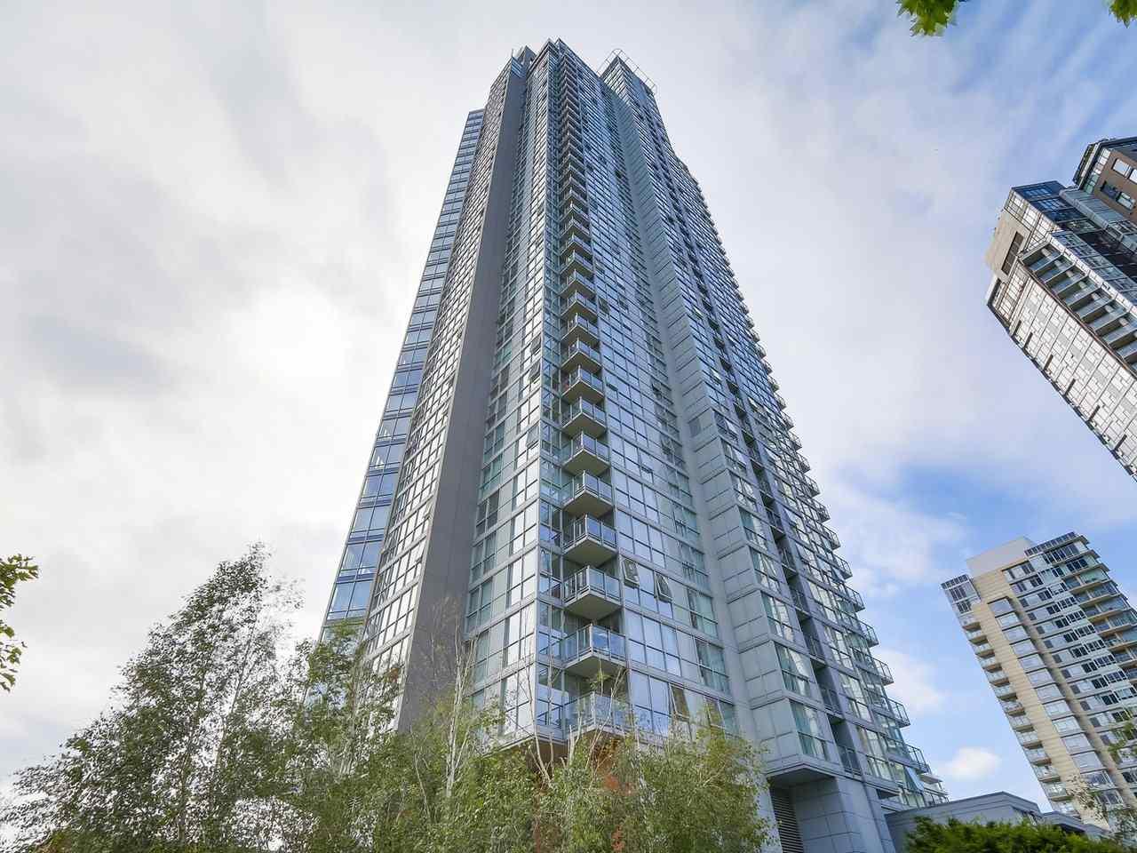 Condo Apartment at 1102 1408 STRATHMORE MEWS, Unit 1102, Vancouver West, British Columbia. Image 16
