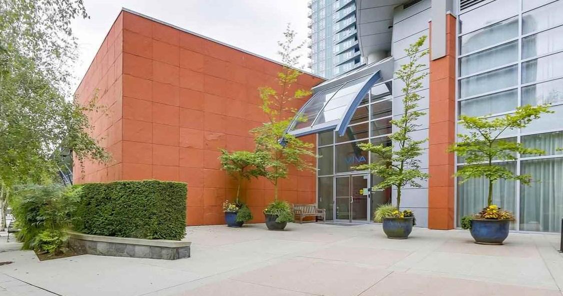 Condo Apartment at 1102 1408 STRATHMORE MEWS, Unit 1102, Vancouver West, British Columbia. Image 18