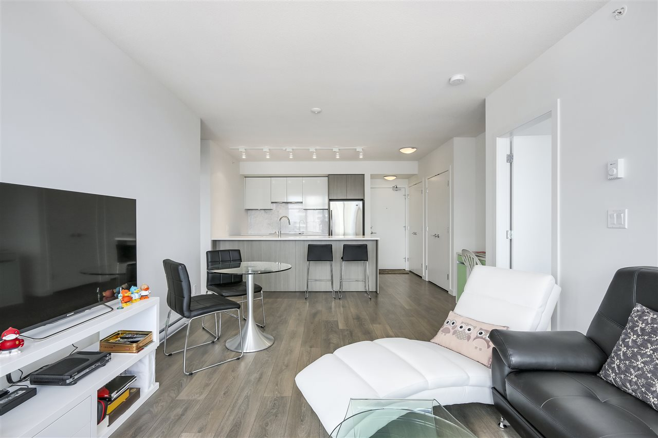 Condo Apartment at 1208 6461 TELFORD AVENUE, Unit 1208, Burnaby South, British Columbia. Image 10