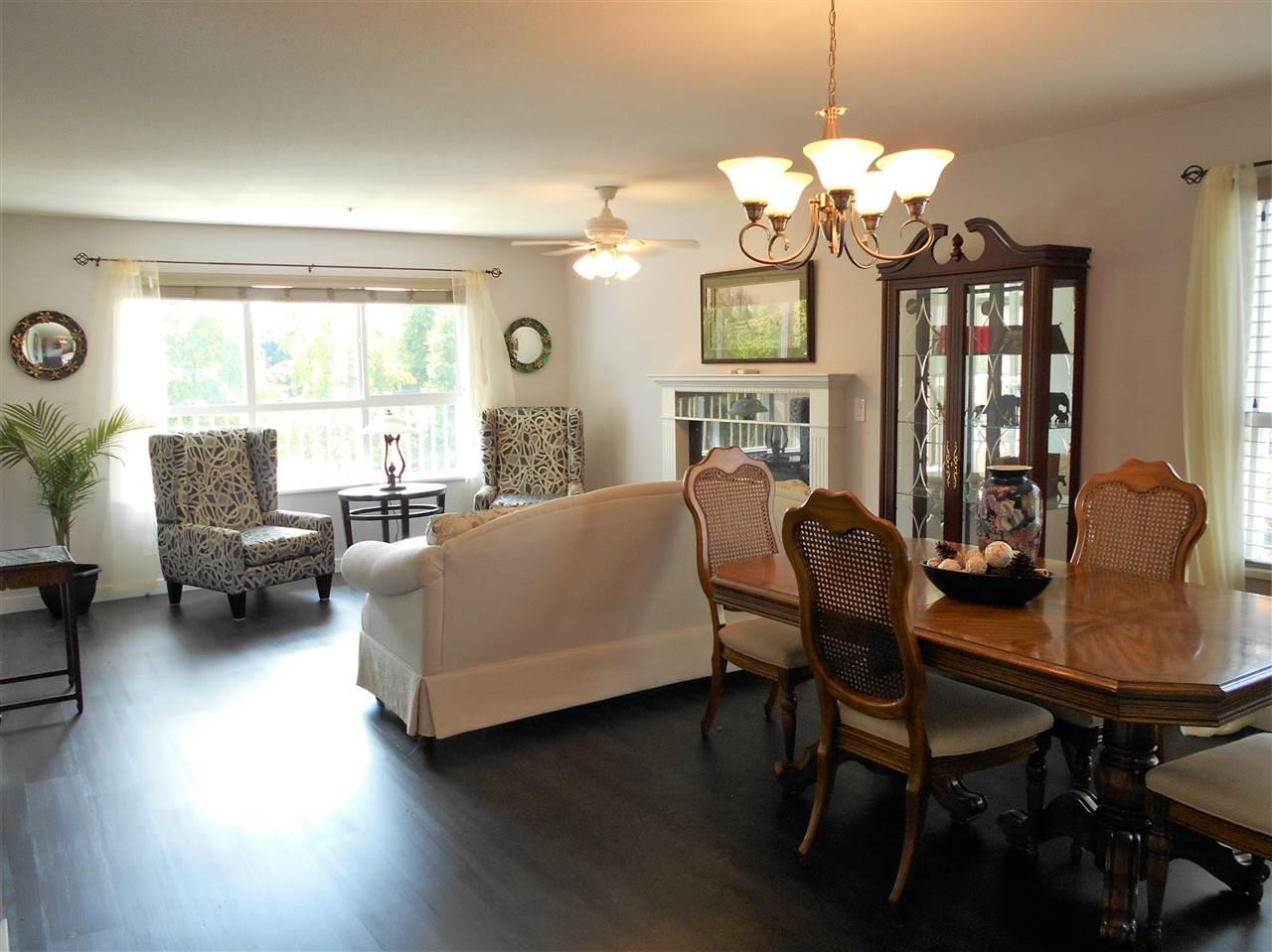 Condo Apartment at 207 13870 70 AVENUE, Unit 207, Surrey, British Columbia. Image 2