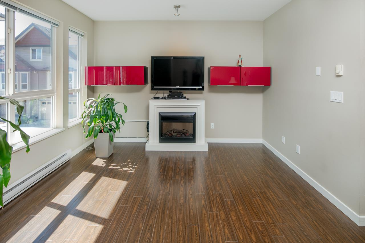 Townhouse at 34 22380 SHARPE AVENUE, Unit 34, Richmond, British Columbia. Image 2