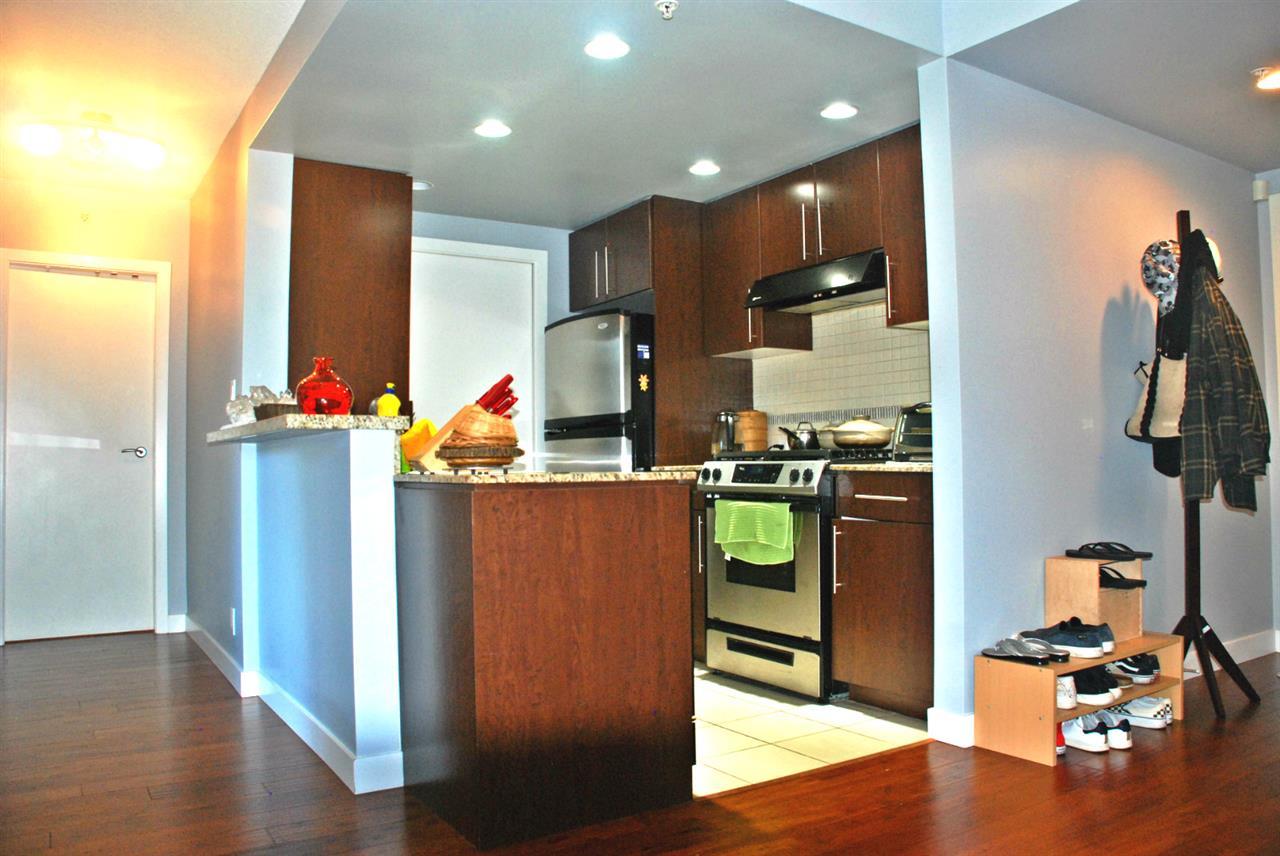 Condo Apartment at 301 583 BEACH CRESCENT, Unit 301, Vancouver West, British Columbia. Image 1