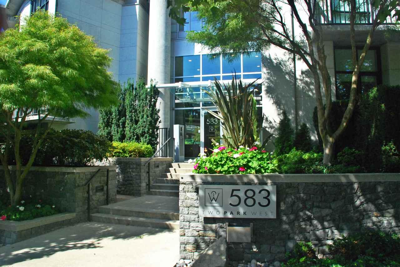 Condo Apartment at 301 583 BEACH CRESCENT, Unit 301, Vancouver West, British Columbia. Image 2