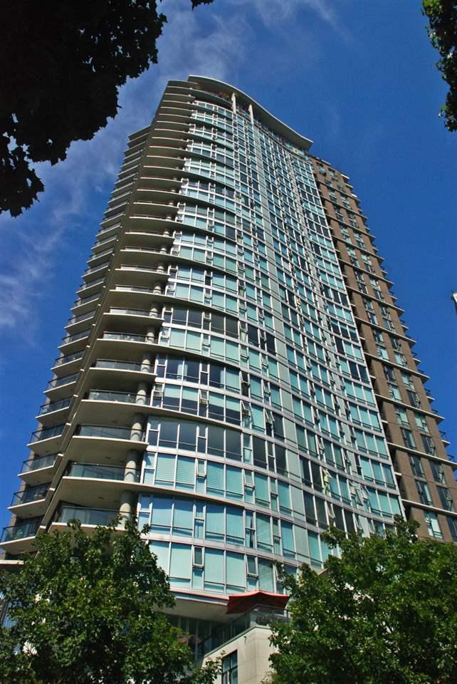 Condo Apartment at 301 583 BEACH CRESCENT, Unit 301, Vancouver West, British Columbia. Image 3