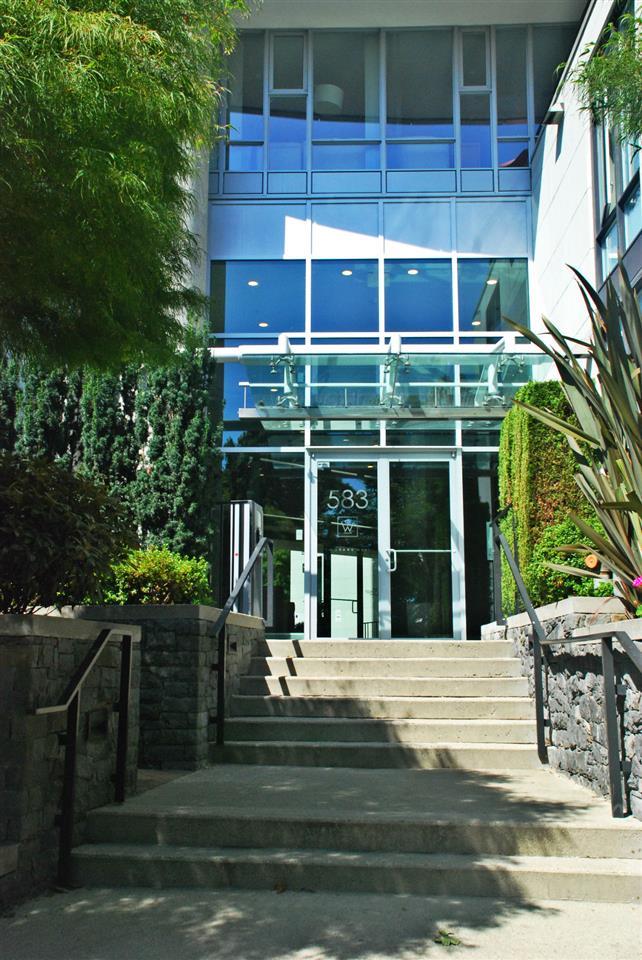 Condo Apartment at 301 583 BEACH CRESCENT, Unit 301, Vancouver West, British Columbia. Image 4