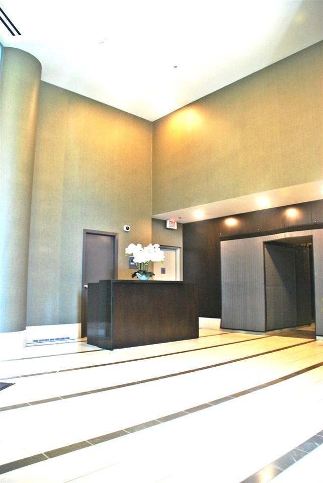 Condo Apartment at 301 583 BEACH CRESCENT, Unit 301, Vancouver West, British Columbia. Image 5