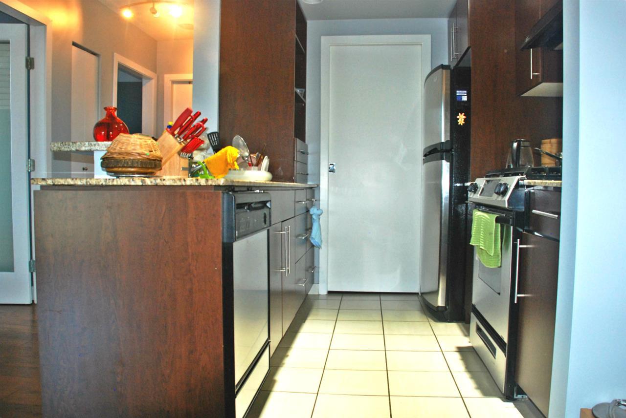Condo Apartment at 301 583 BEACH CRESCENT, Unit 301, Vancouver West, British Columbia. Image 6