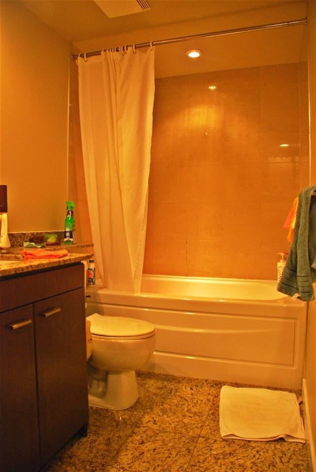 Condo Apartment at 301 583 BEACH CRESCENT, Unit 301, Vancouver West, British Columbia. Image 11