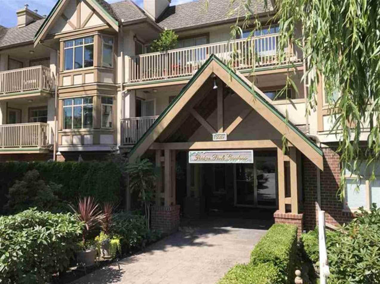 Condo Apartment at 305 2059 CHESTERFIELD AVENUE, Unit 305, North Vancouver, British Columbia. Image 1