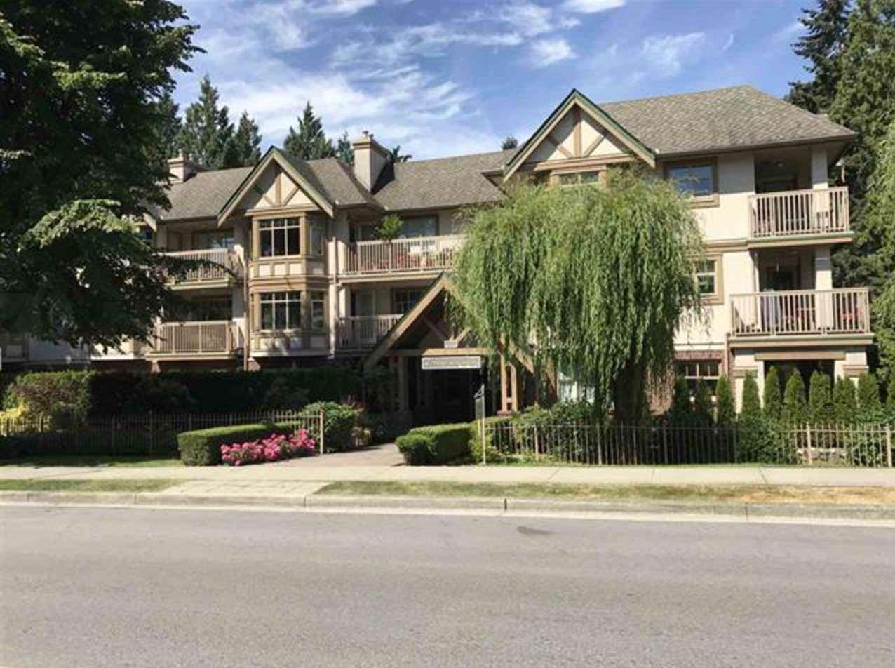 Condo Apartment at 305 2059 CHESTERFIELD AVENUE, Unit 305, North Vancouver, British Columbia. Image 2