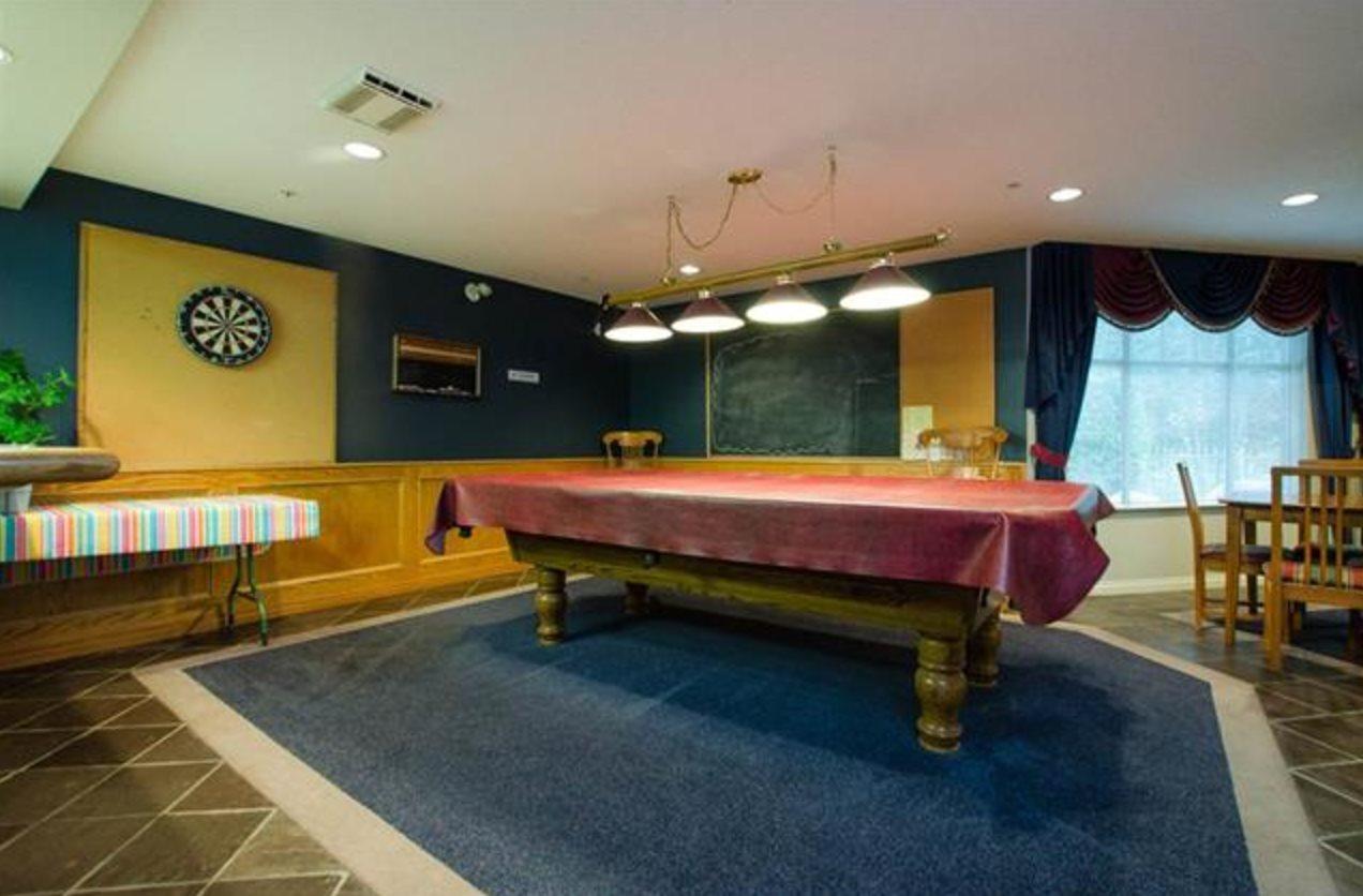 Condo Apartment at 305 2059 CHESTERFIELD AVENUE, Unit 305, North Vancouver, British Columbia. Image 12