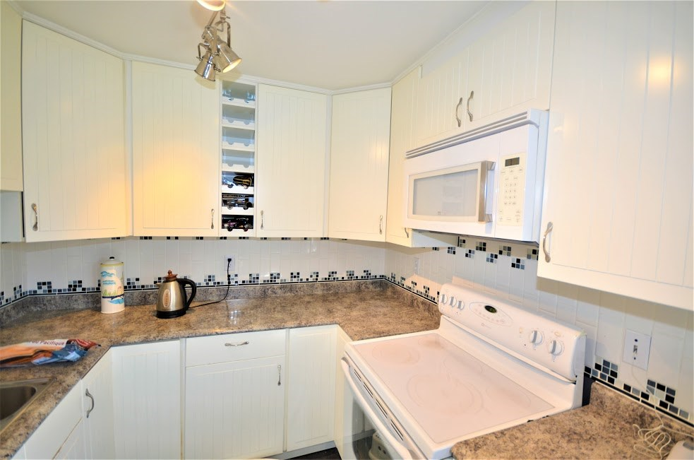 Condo Apartment at 102 2285 PITT RIVER ROAD, Unit 102, Port Coquitlam, British Columbia. Image 12
