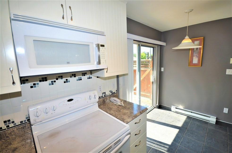 Condo Apartment at 102 2285 PITT RIVER ROAD, Unit 102, Port Coquitlam, British Columbia. Image 14
