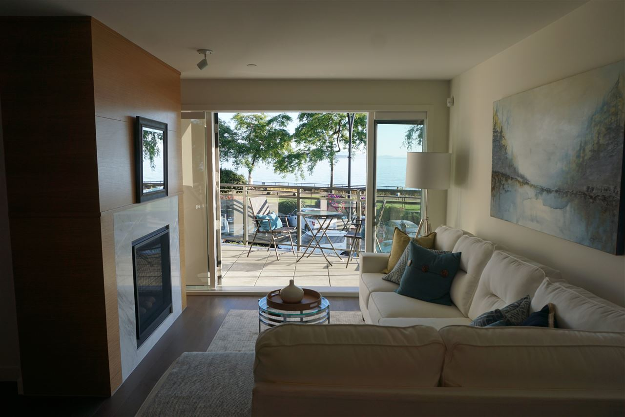 Condo Apartment at 203 1150 OXFORD STREET, Unit 203, South Surrey White Rock, British Columbia. Image 3