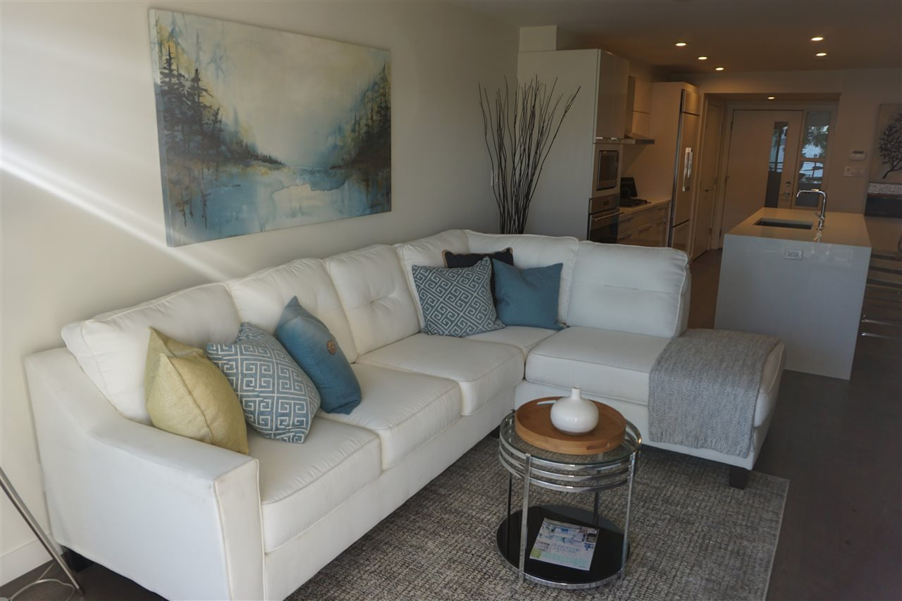Condo Apartment at 203 1150 OXFORD STREET, Unit 203, South Surrey White Rock, British Columbia. Image 5