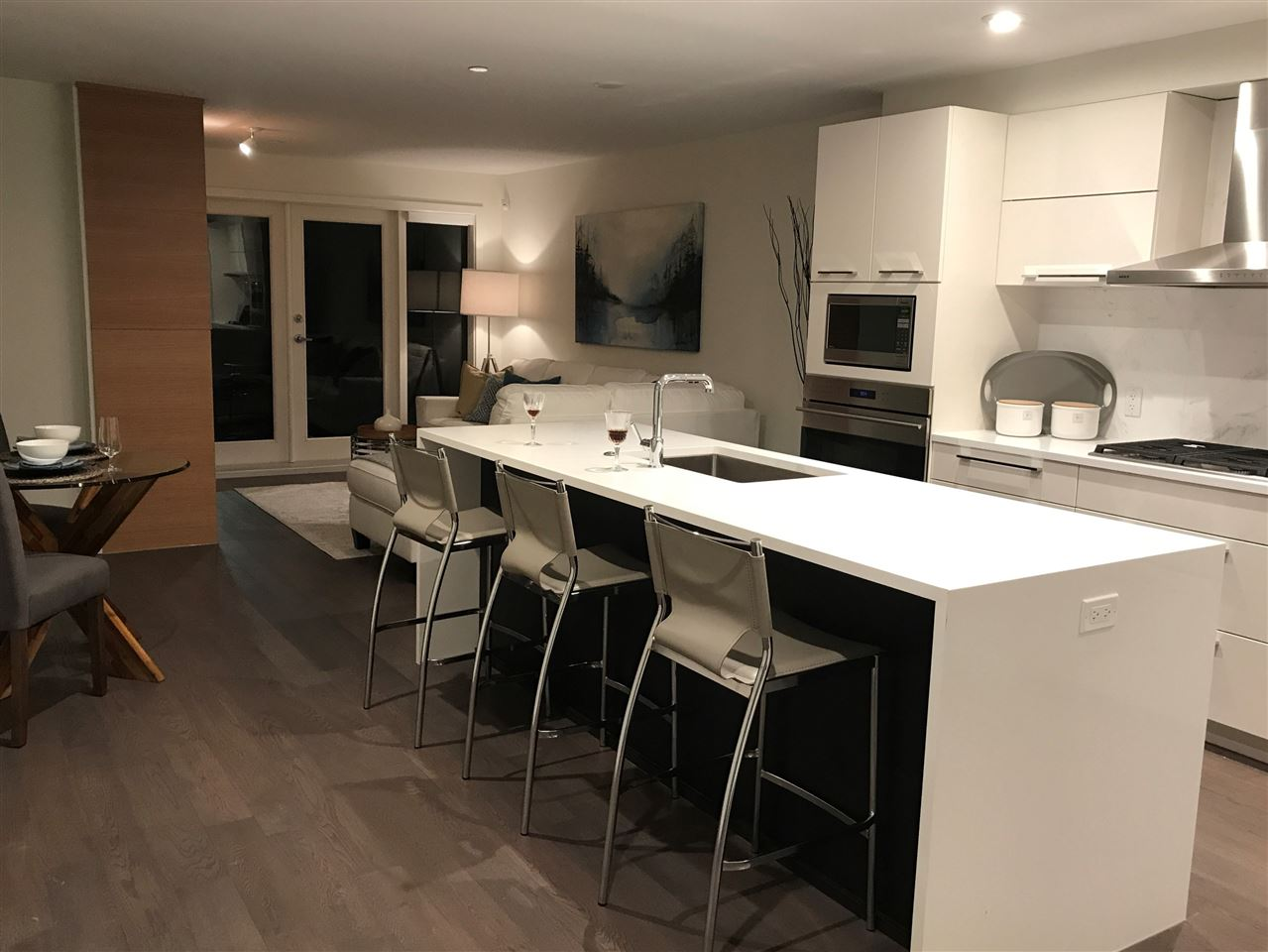 Condo Apartment at 203 1150 OXFORD STREET, Unit 203, South Surrey White Rock, British Columbia. Image 9