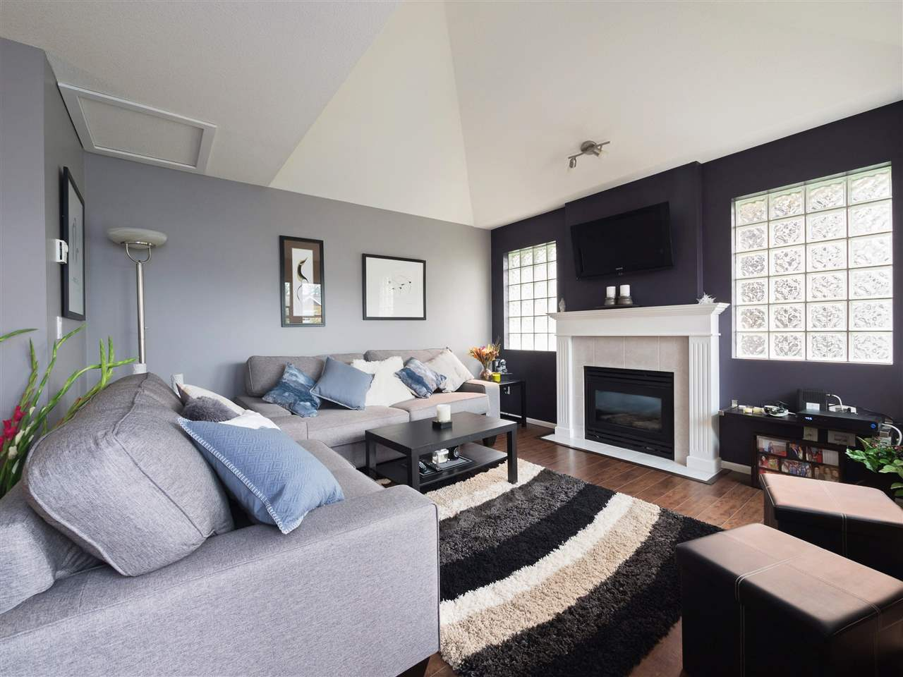 Condo Apartment at 301 1558 GRANT AVENUE, Unit 301, Port Coquitlam, British Columbia. Image 1