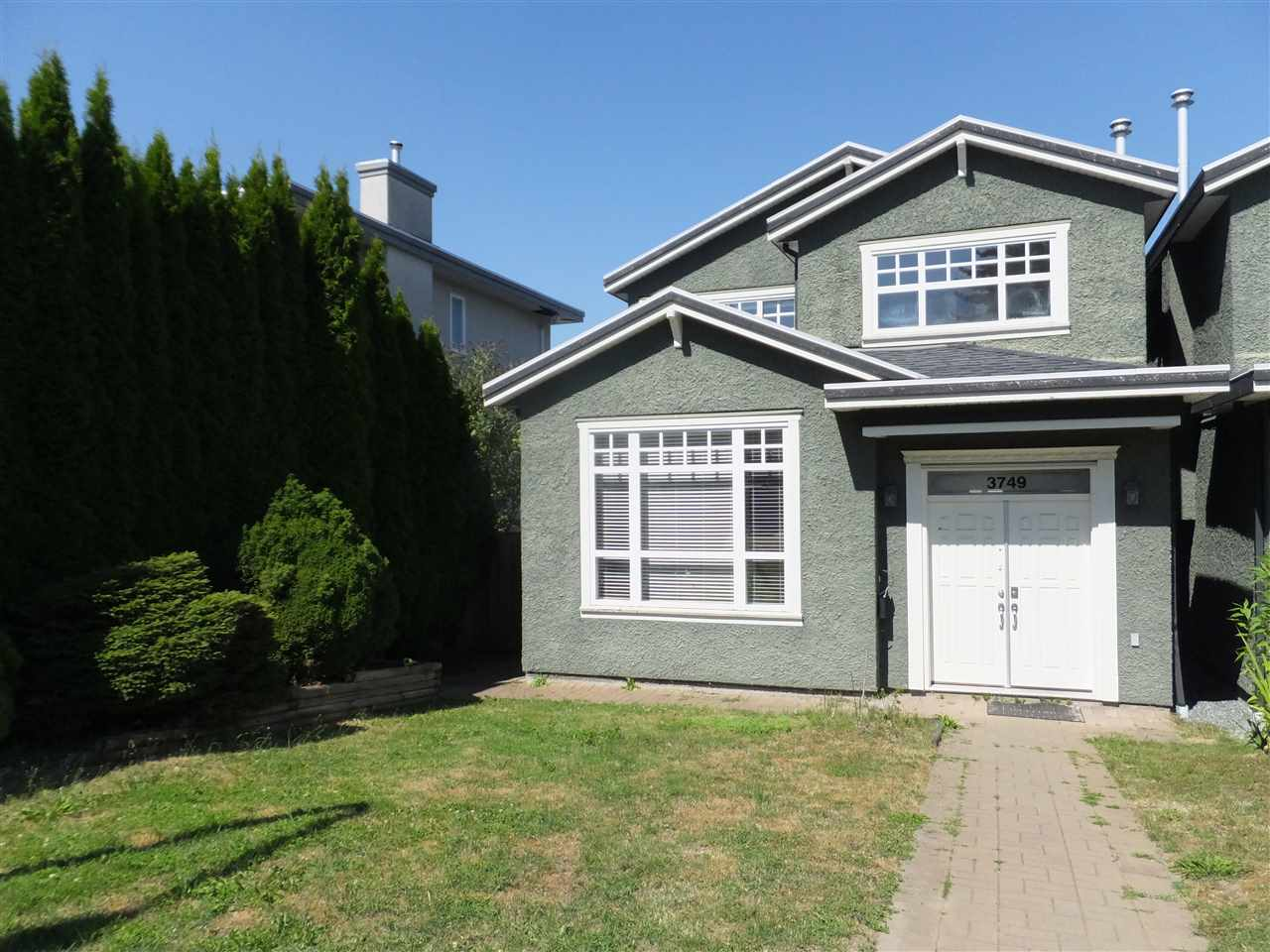 Half-duplex at 3749 FOREST STREET, Burnaby South, British Columbia. Image 1