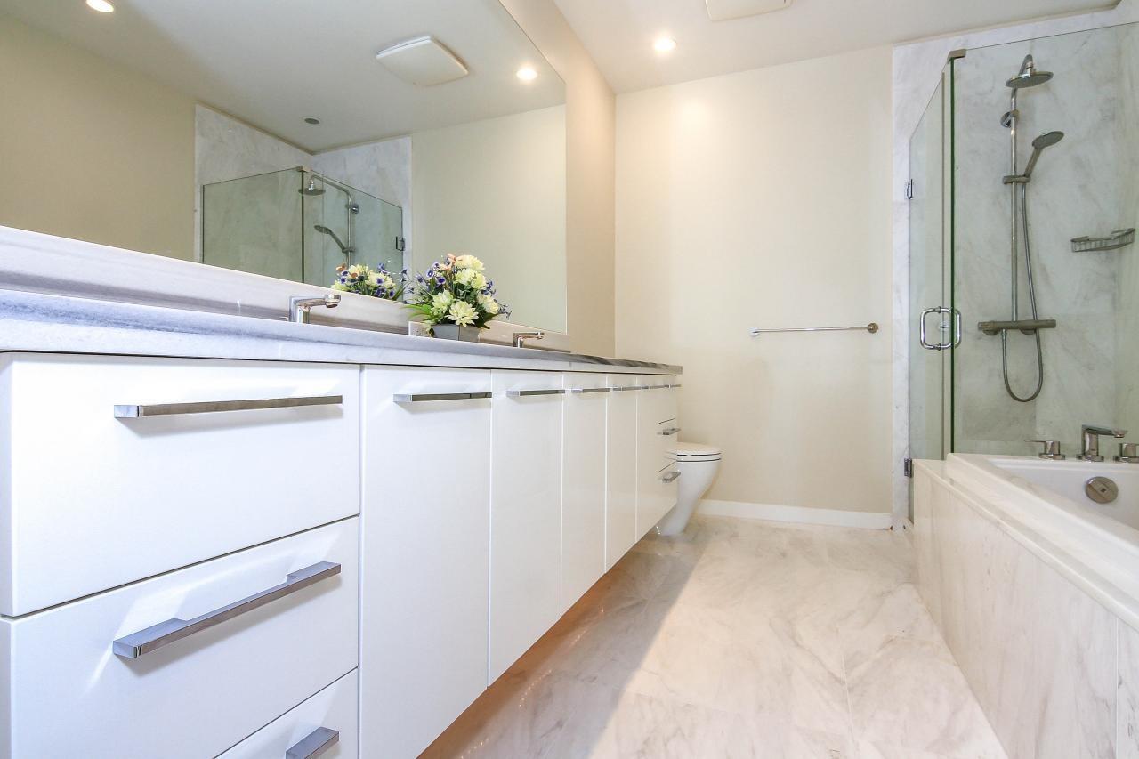 Condo Apartment at PH7 5728 BERTON AVENUE, Unit PH7, Vancouver West, British Columbia. Image 6