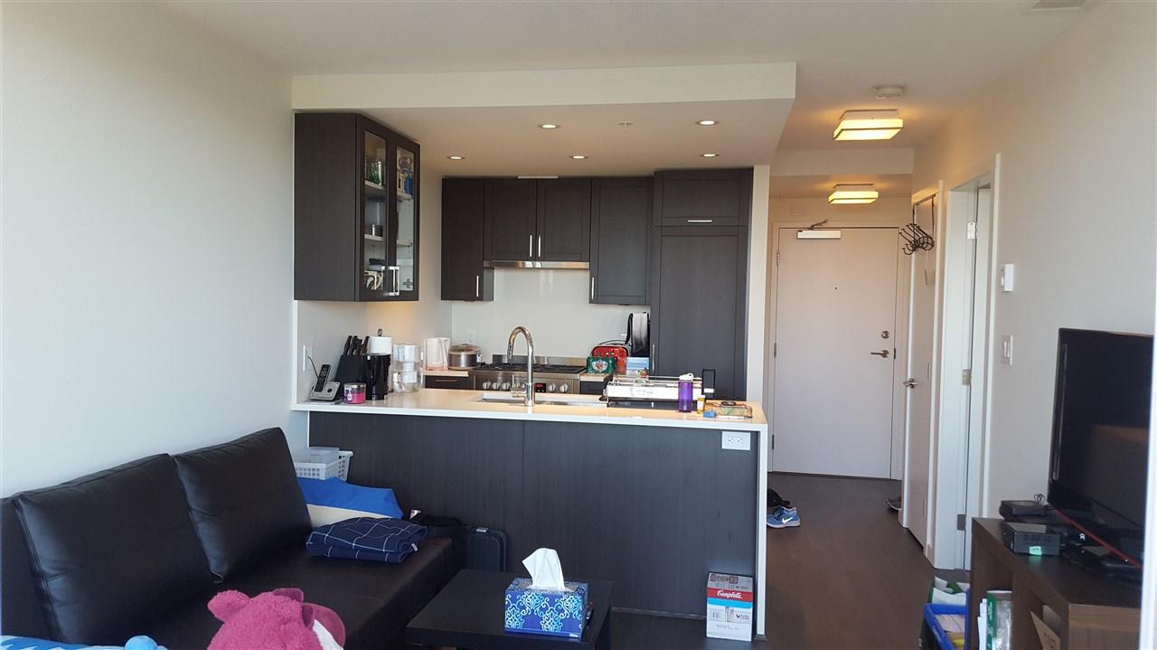 Condo Apartment at 804 5665 BOUNDARY ROAD, Unit 804, Vancouver East, British Columbia. Image 2