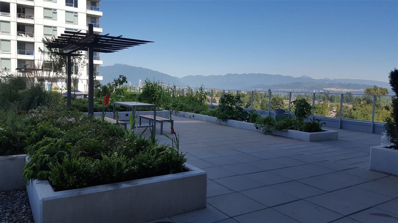 Condo Apartment at 804 5665 BOUNDARY ROAD, Unit 804, Vancouver East, British Columbia. Image 5