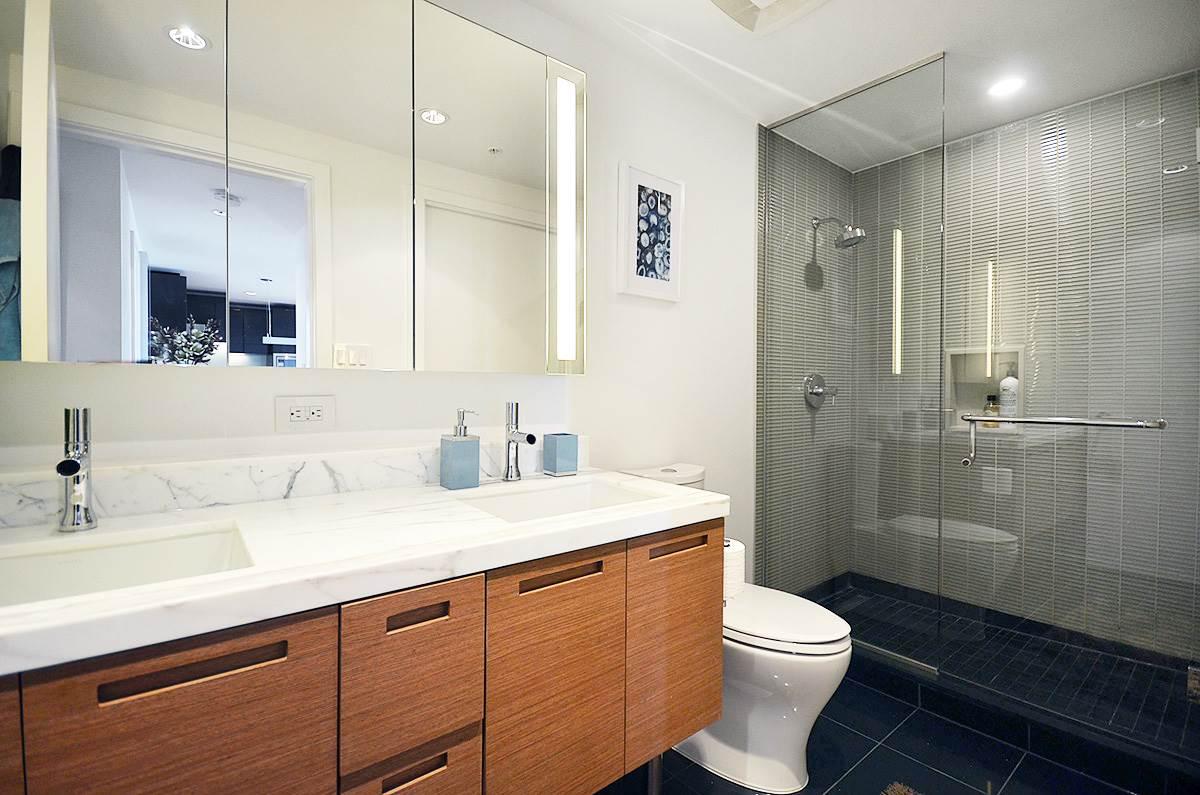 Condo Apartment at 3907 777 RICHARDS STREET, Unit 3907, Vancouver West, British Columbia. Image 2