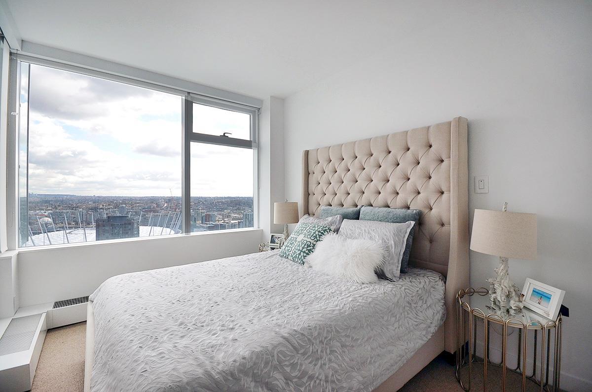 Condo Apartment at 3907 777 RICHARDS STREET, Unit 3907, Vancouver West, British Columbia. Image 4