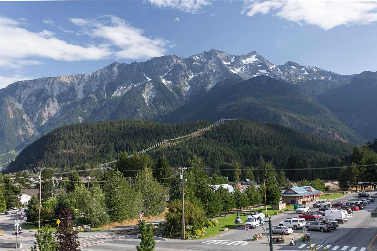 Condo Apartment at 404 7445 FRONTIER STREET, Unit 404, Pemberton, British Columbia. Image 7