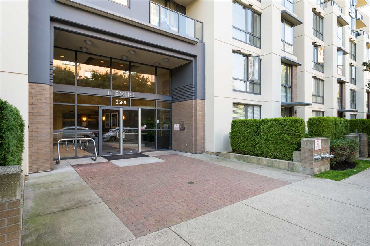 Condo Apartment at 707 3588 CROWLEY DRIVE, Unit 707, Vancouver East, British Columbia. Image 2
