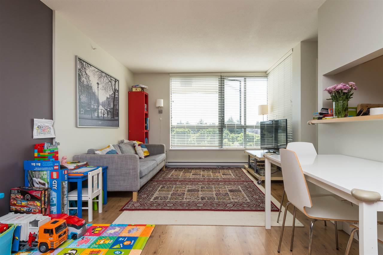 Condo Apartment at 707 3588 CROWLEY DRIVE, Unit 707, Vancouver East, British Columbia. Image 4