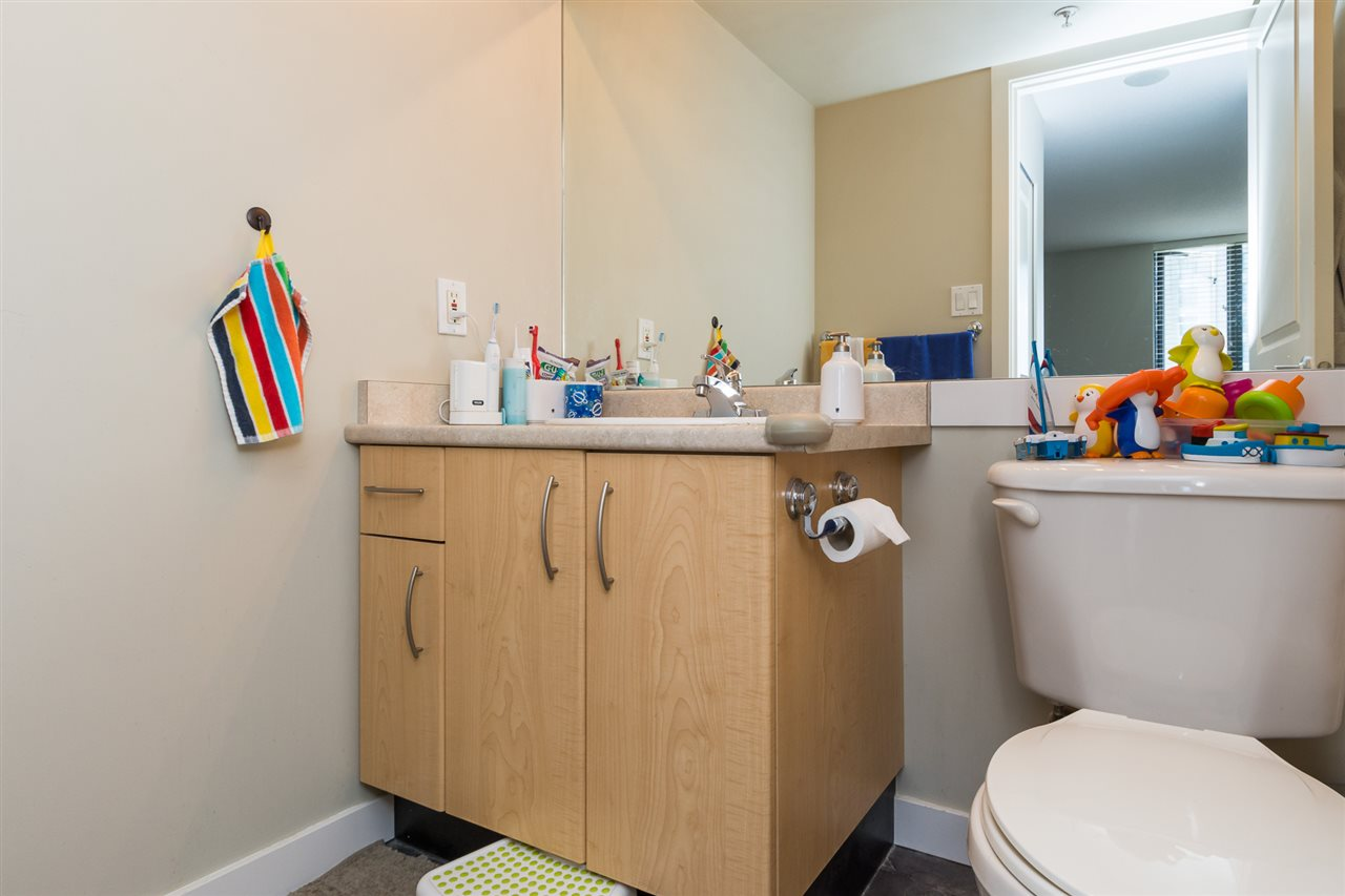 Condo Apartment at 707 3588 CROWLEY DRIVE, Unit 707, Vancouver East, British Columbia. Image 14
