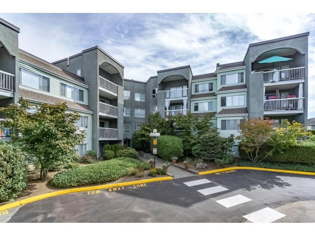Condo Apartment at 306 5700 200 STREET, Unit 306, Langley, British Columbia. Image 2
