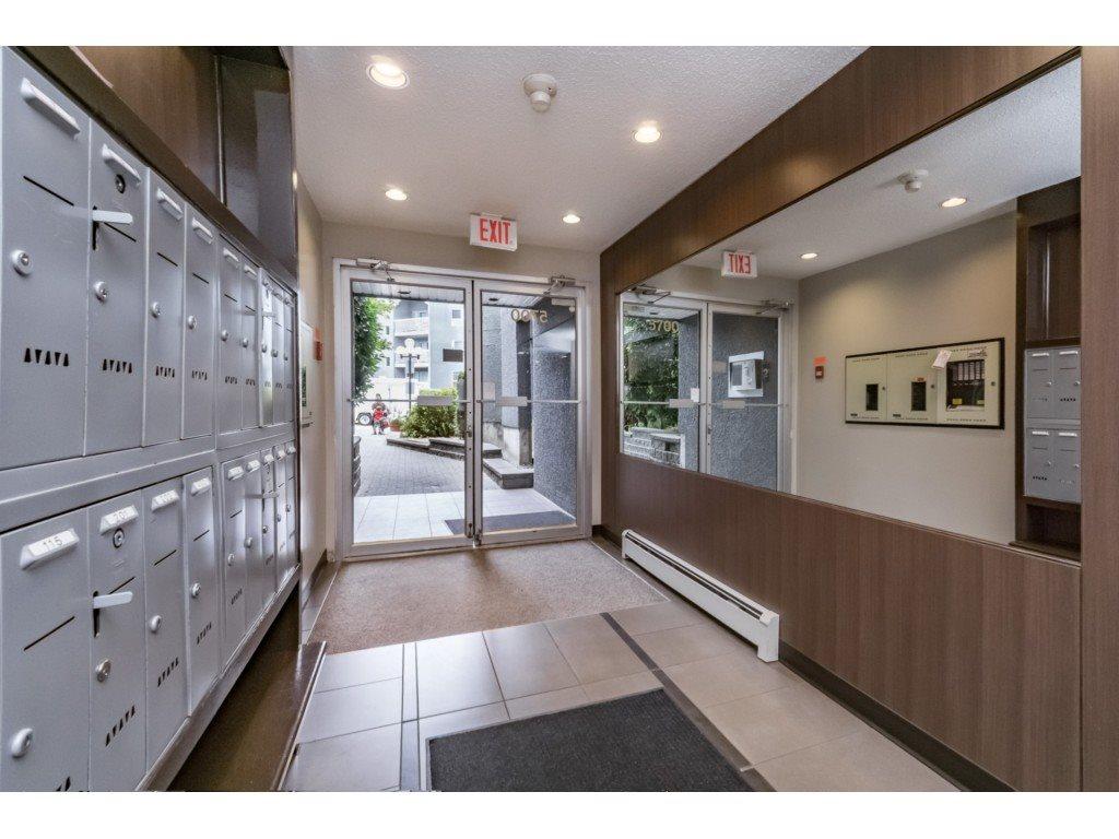 Condo Apartment at 306 5700 200 STREET, Unit 306, Langley, British Columbia. Image 3