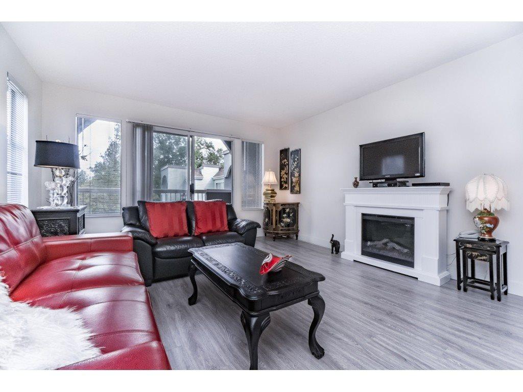 Condo Apartment at 306 5700 200 STREET, Unit 306, Langley, British Columbia. Image 9
