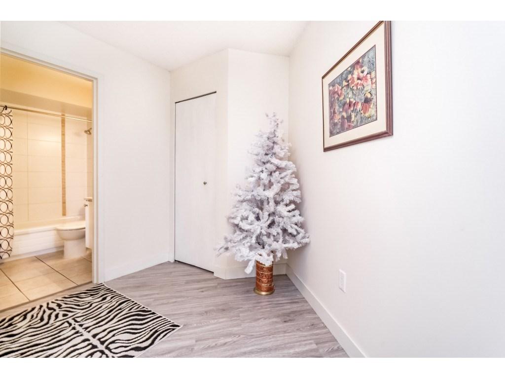 Condo Apartment at 306 5700 200 STREET, Unit 306, Langley, British Columbia. Image 13