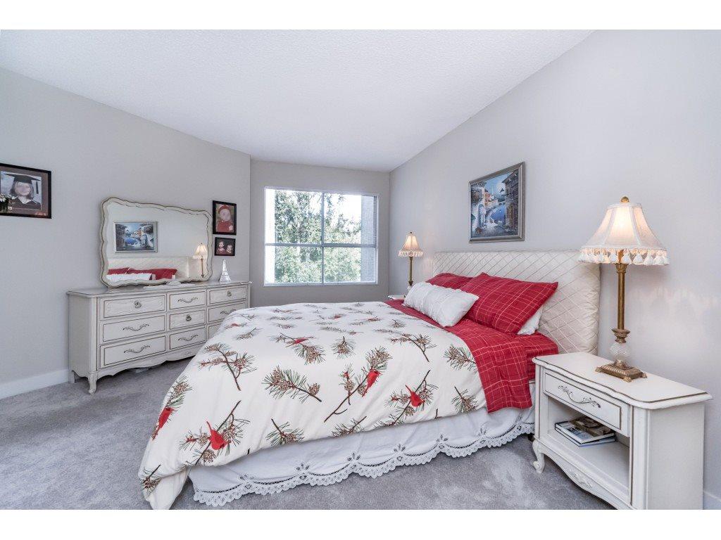 Condo Apartment at 306 5700 200 STREET, Unit 306, Langley, British Columbia. Image 15