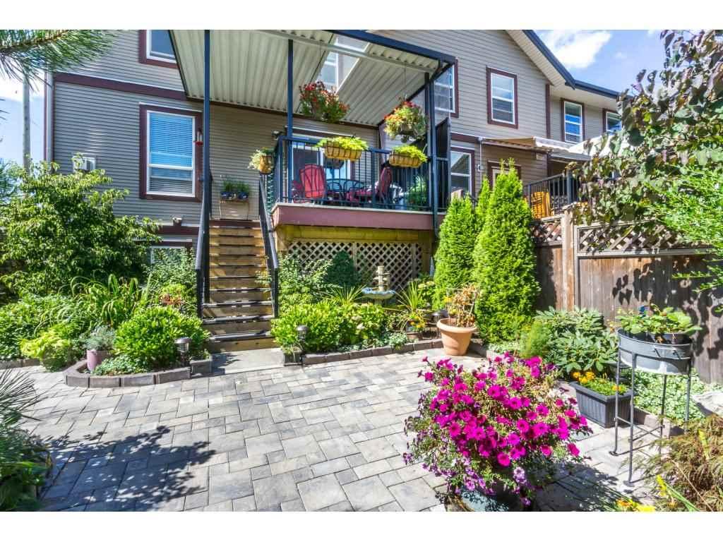 Townhouse at 6830 208 STREET, Langley, British Columbia. Image 2