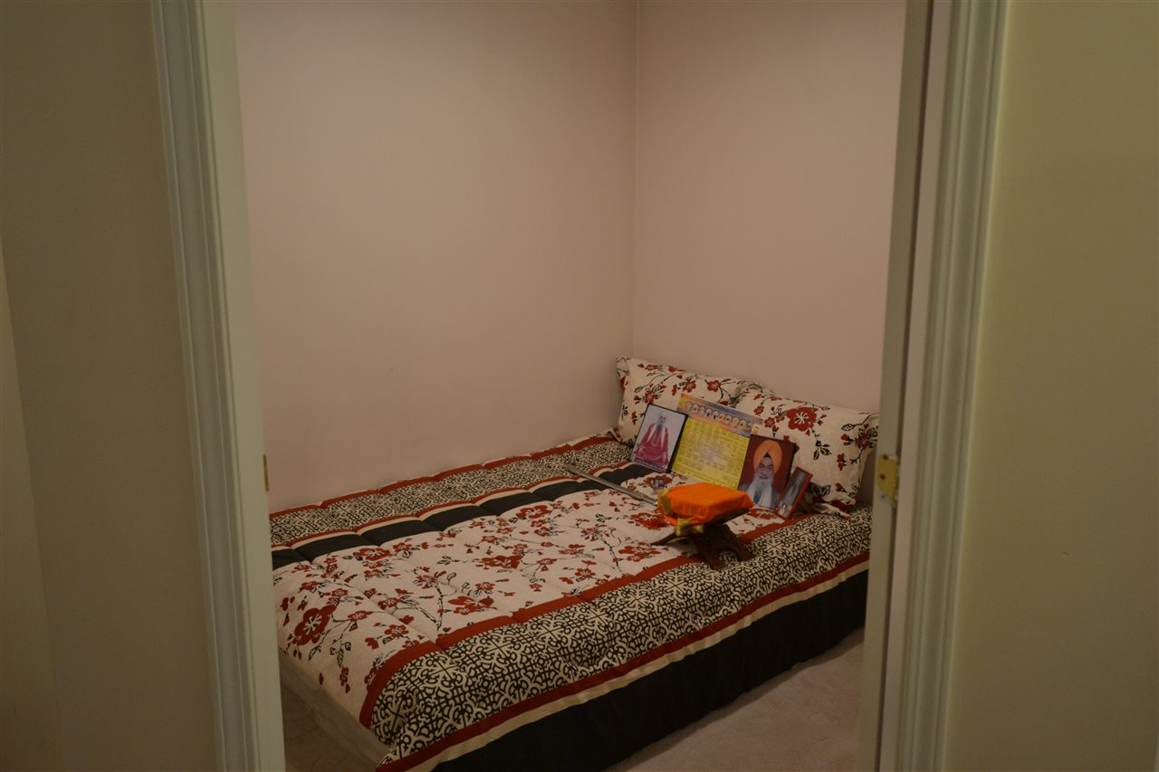 Condo Apartment at 301 2964 TRETHEWEY STREET, Unit 301, Abbotsford, British Columbia. Image 10
