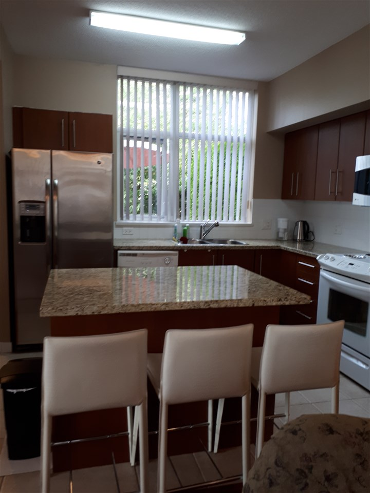Townhouse at TH16 2089 ROSSER AVENUE, Unit TH16, Burnaby North, British Columbia. Image 4