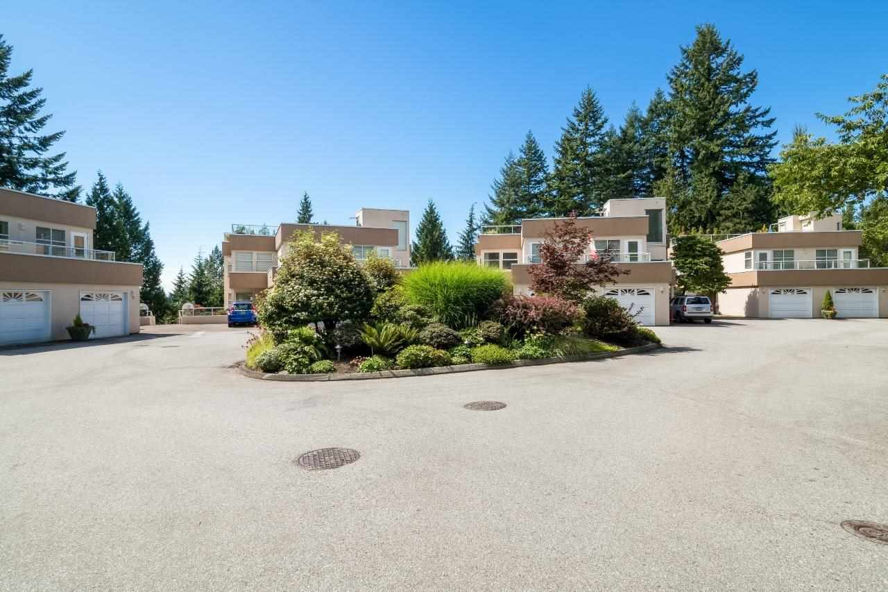 Condo Apartment at 5 2425 EDGEMONT BOULEVARD, Unit 5, North Vancouver, British Columbia. Image 2