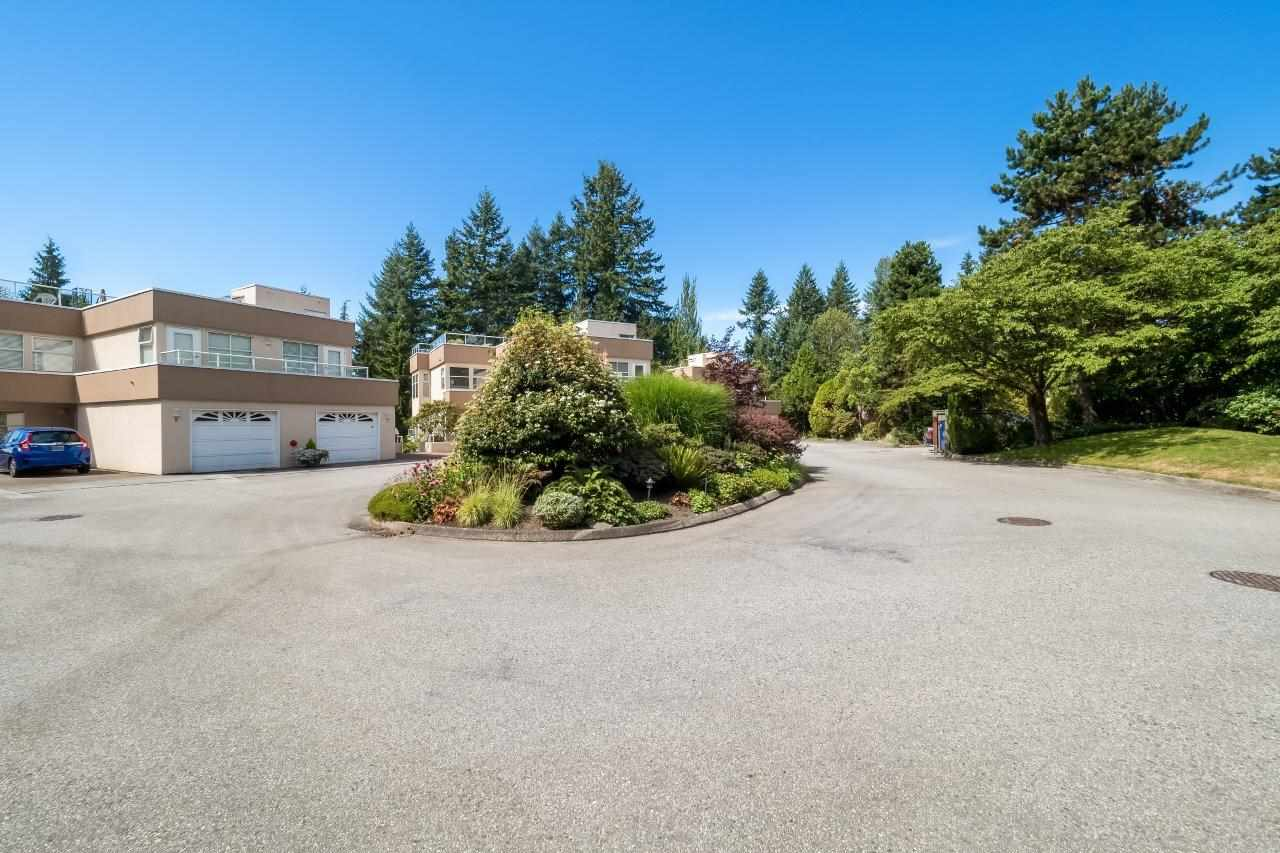 Condo Apartment at 5 2425 EDGEMONT BOULEVARD, Unit 5, North Vancouver, British Columbia. Image 3
