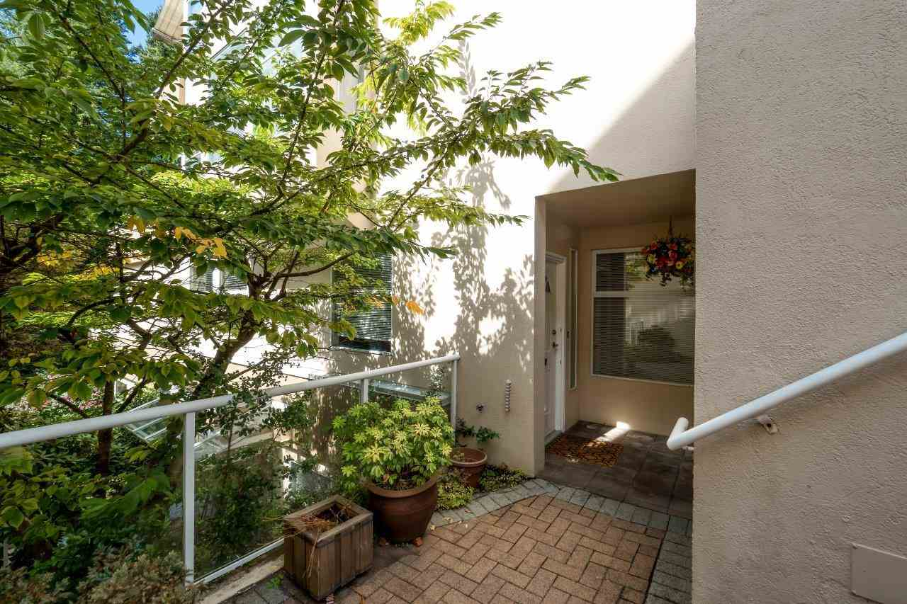 Condo Apartment at 5 2425 EDGEMONT BOULEVARD, Unit 5, North Vancouver, British Columbia. Image 4