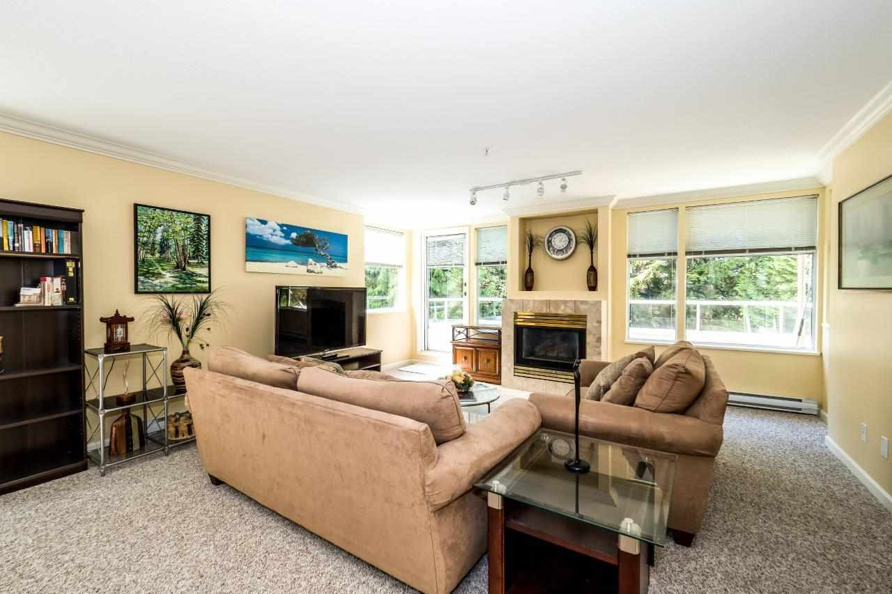 Condo Apartment at 5 2425 EDGEMONT BOULEVARD, Unit 5, North Vancouver, British Columbia. Image 5