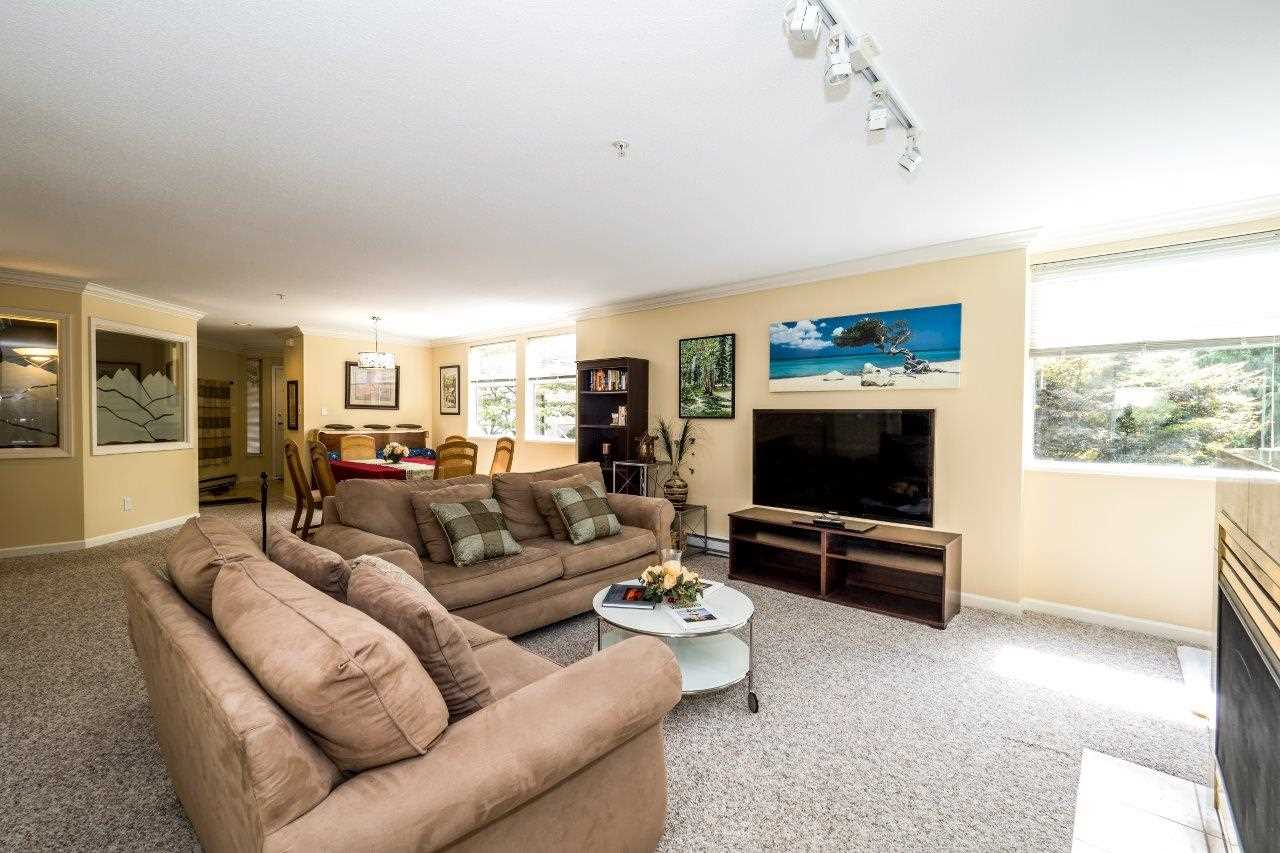 Condo Apartment at 5 2425 EDGEMONT BOULEVARD, Unit 5, North Vancouver, British Columbia. Image 7