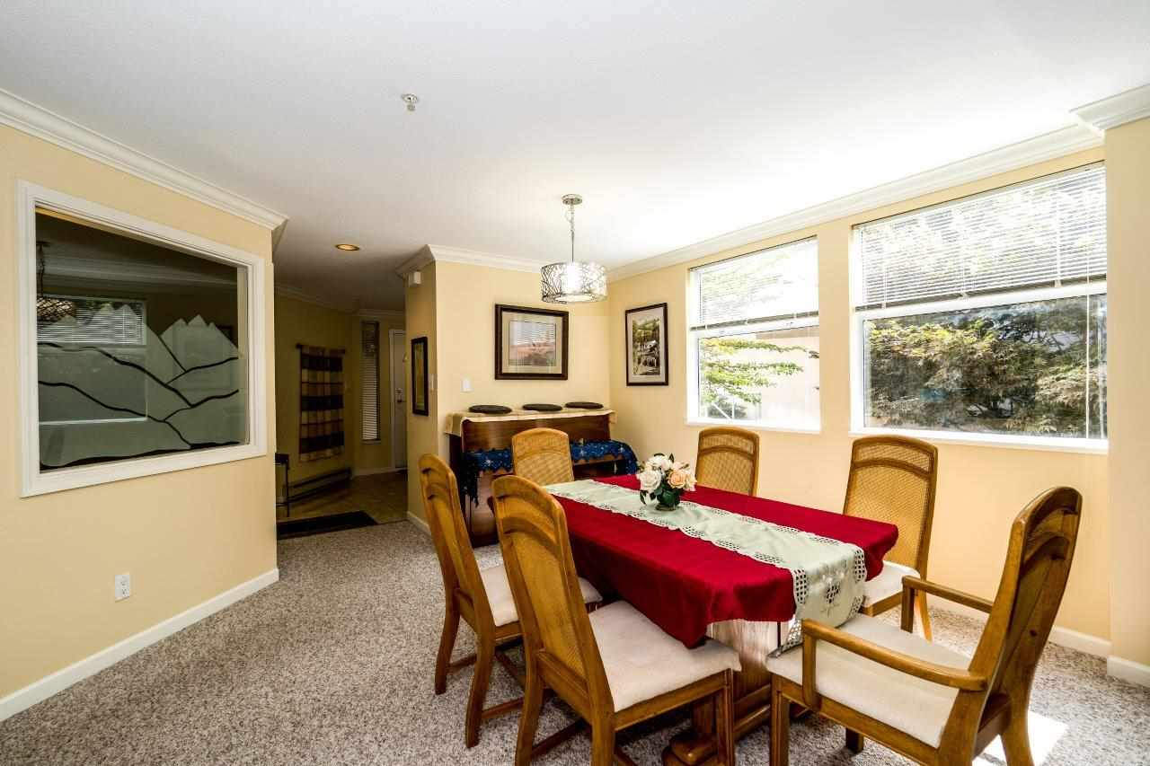 Condo Apartment at 5 2425 EDGEMONT BOULEVARD, Unit 5, North Vancouver, British Columbia. Image 8