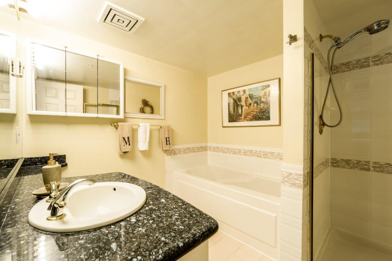 Condo Apartment at 5 2425 EDGEMONT BOULEVARD, Unit 5, North Vancouver, British Columbia. Image 13