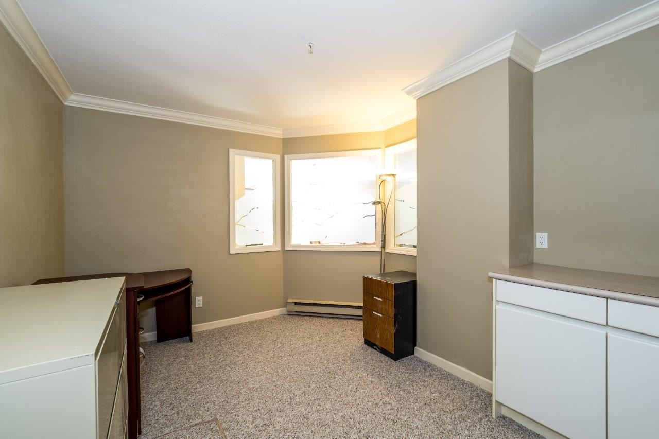Condo Apartment at 5 2425 EDGEMONT BOULEVARD, Unit 5, North Vancouver, British Columbia. Image 16