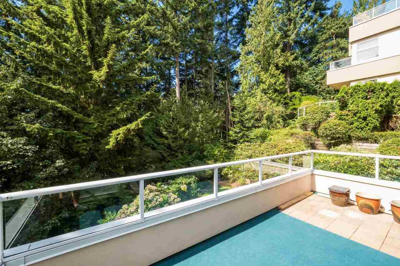 Condo Apartment at 5 2425 EDGEMONT BOULEVARD, Unit 5, North Vancouver, British Columbia. Image 18